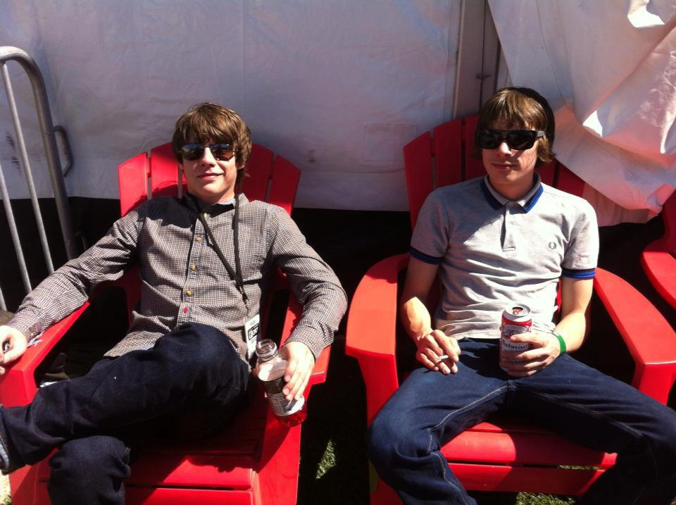 Jake Bugg wears Weekend Offender