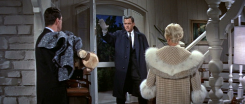 Pillow-Talk_Doris-Day_fur-topped-coat-rear