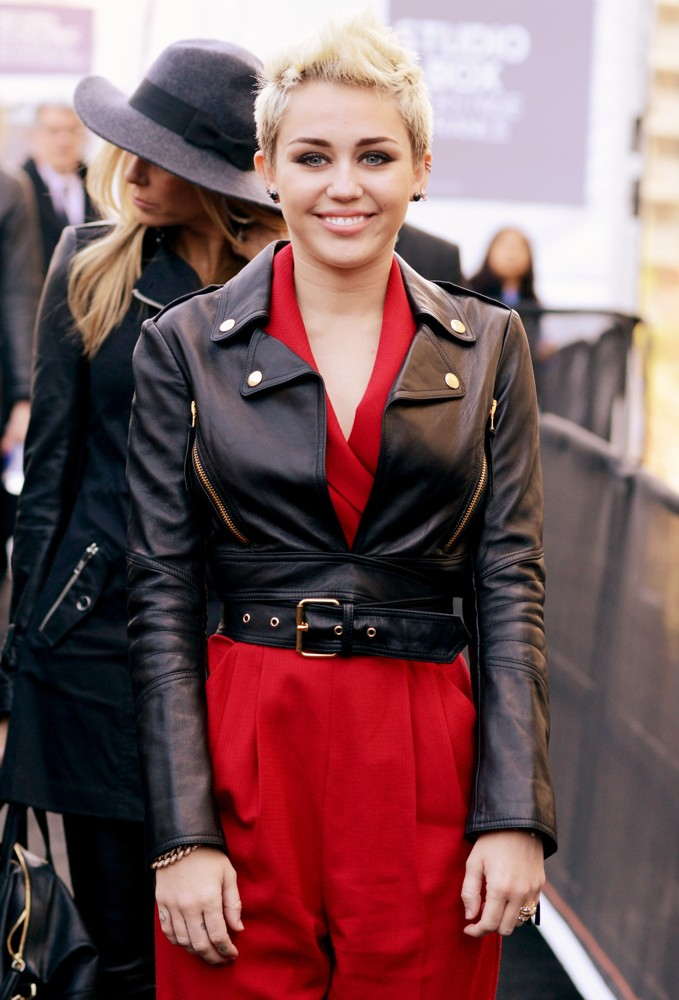 miley-cyrus-mercedes-benz-new-york-fashion-week-autumn-winter-2013-02
