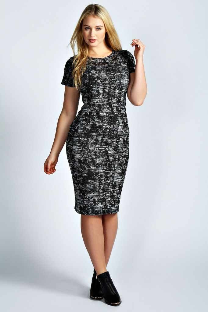 Lucie Stud Necklace Midi Dress Product code: pzz99962 £20.00 click to visit Boohoo