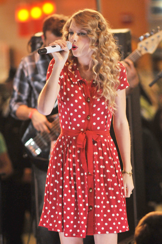 Taylor Swift performs at JFK Airport, New York City