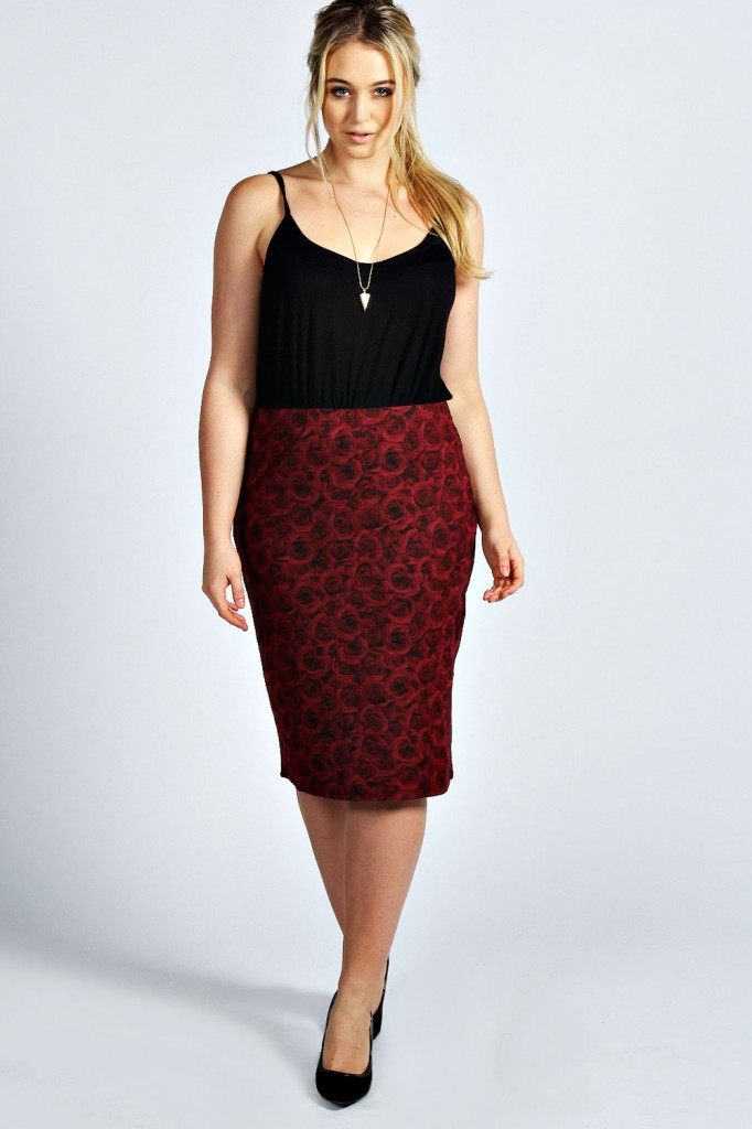 Aubrey Rose Print Pencil Skirt Product code: pzz99927 £15.00 click to visit Boohoo