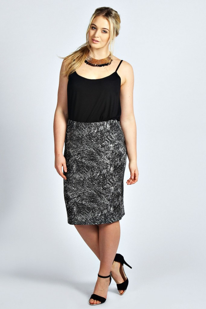Isabella Sketchy Print Pencil Skirt Product code: pzz99939 £15.00 click to visit Boohoo
