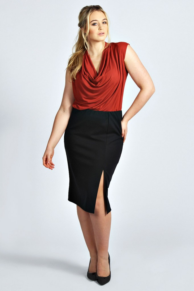 Emma Ponte Split Pencil skirt Product code: pzz99940 £12.00 click to visit Boohoo