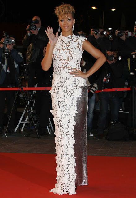 rihanna-nrj-music-awards-2010-in-cannes-01