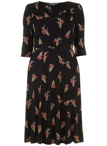 Scarlett & Jo Black Retro Button Front Floral Bouquet Midi Dress     Price: £45.00 click to visit Evans