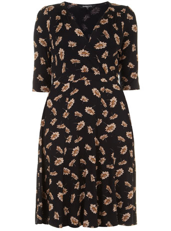 Scarlett & Jo Black Retro Wrap Front Daisy Print Midi Dress     Price: £45.00 click to visit Evans