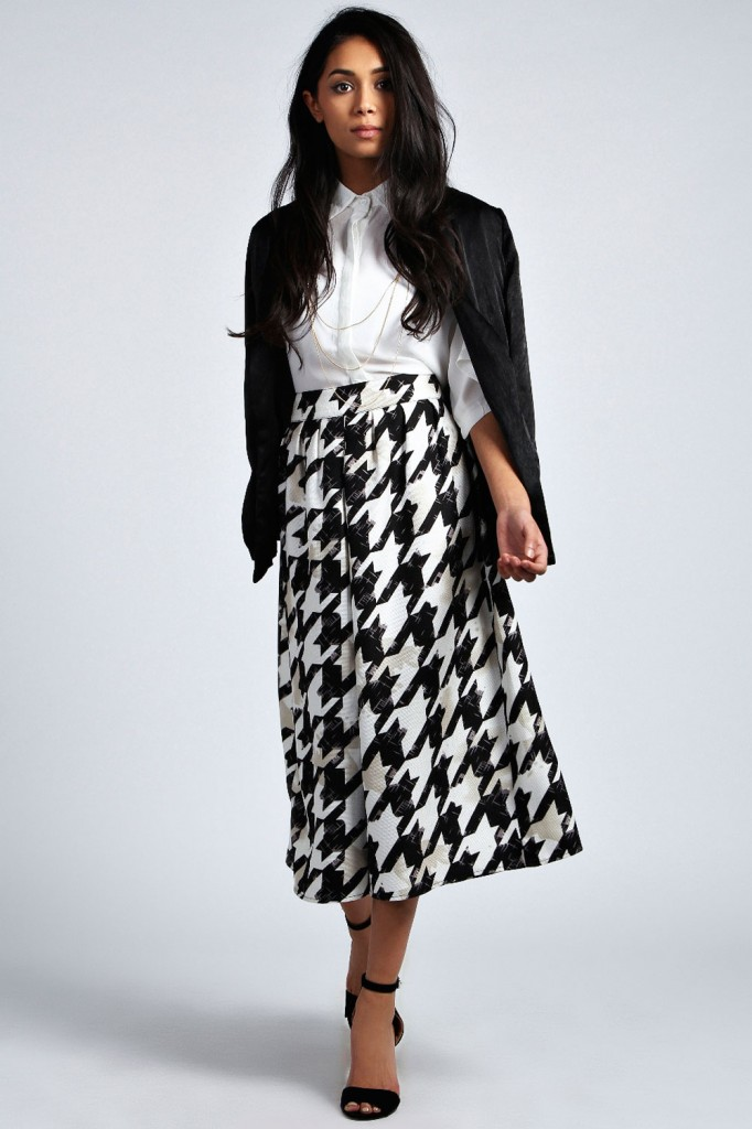 Danni Volumuous Dogtooth Wide Leg Culottes £20 click to visit Boohoo