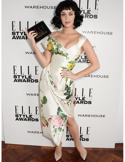 Not a fan of the wonky hair, but love this dress on Katy.