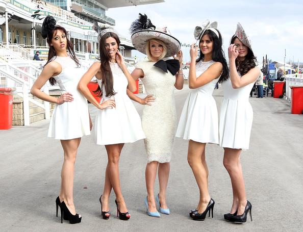 Liz+Mcclarnon+Racegoers+Enjoy+Ladies+Day+Aintree+c9Vn2lmSGWbl