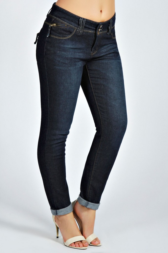 Lou Slim Boyfriend Jean Product code: pzz99876 £25.00 click to visit Boohoo