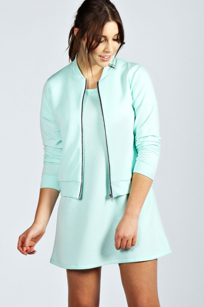 Lucie Quilted Fabric Zip Through Jacket Product code: pzz99892 £20.00 click to visit Boohoo