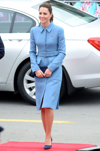 Duchess-of-Cambridge-Vogue-10Apr14-Rex_b_426x639