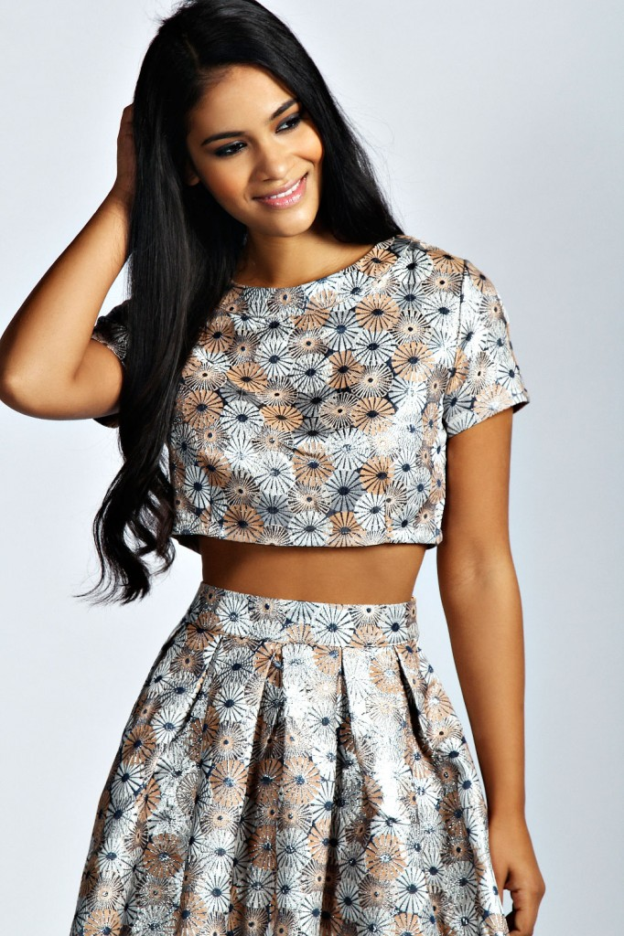Lily Floral Jacquard Cap Sleeve Woven Crop Top now £12 click to visit Boohoo