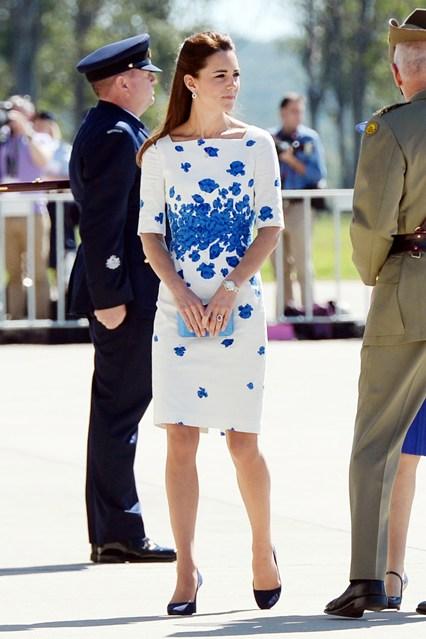 duchess-of-cambridge-6-vogue-22apr14-getty_b_426x639