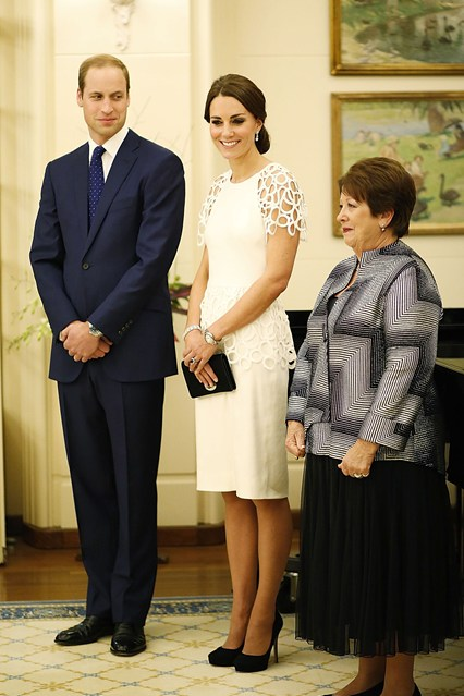 duke-duchess-cambridge-3-vogue-24apr14-getty_b_426x639