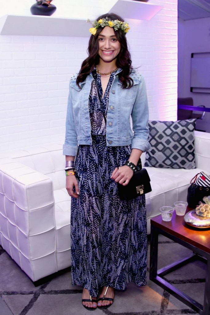 emmy-rossum-at-samsung-galaxy-owners-lounge-at-coachella_1