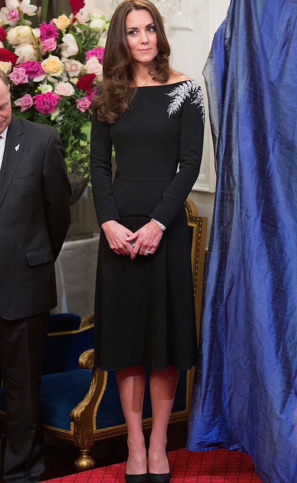 Friday Fashion Duchess Kate And More Looks From The New Zealand Tour Fashionmommy 39 S Blog