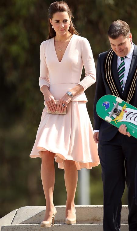 kate-middleton-pink-skirt-alexander-mcqueen-long-sleeve-top-royal-tour-of-australia-nude-trend
