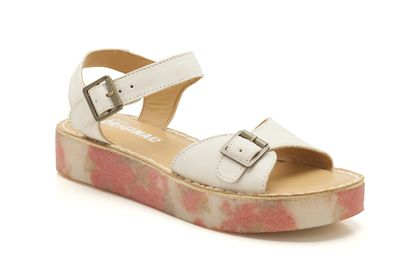 Linnet Flat 5 (1 review) White Leather Womens Originals Sandals £59 click to visit Clarks