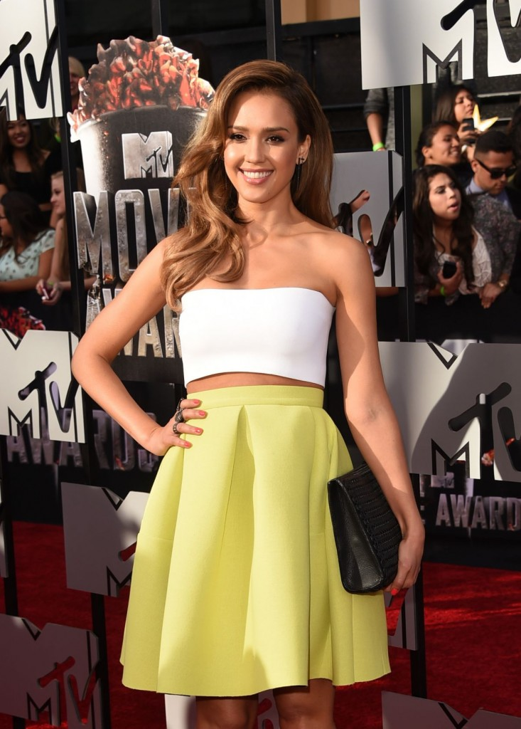 jessica-alba-at-mtv-movie-awards-2014-in-los-angeles-3