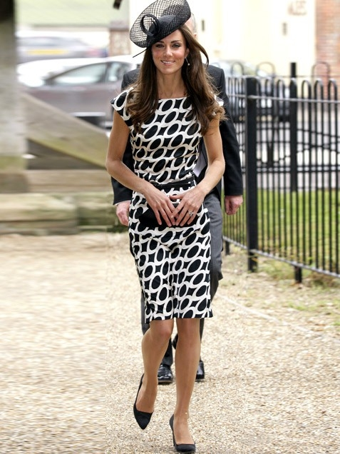 2kate-middleton-black-white