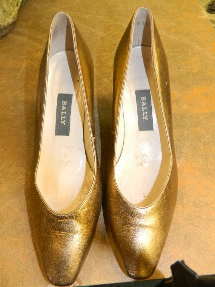 1980s Bally heels in gold - love!