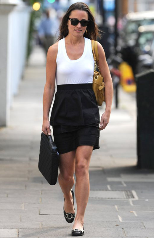 Pippa-Middleton-In-Her-White-And-Black-Outfit-_1