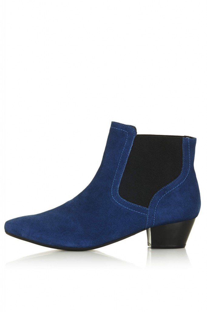 BASIC Chelsea Boots     Price: £40.00 click to visit Topshop