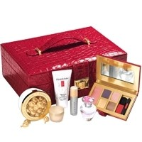 ELIZABETH ARDEN JEWELLERY BOX GIFT SET 355 click to visit Unineed