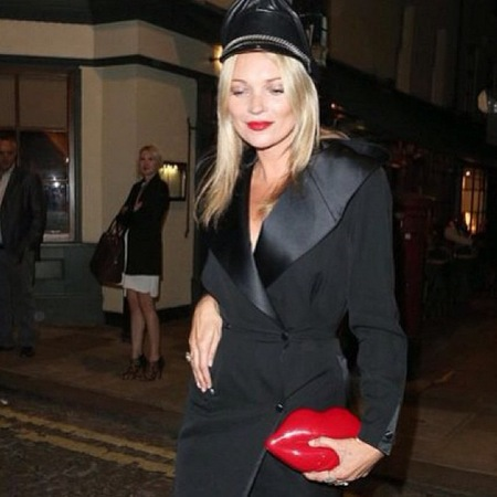 kate_moss_lulu_guinness_red_lips_clutch_lfw