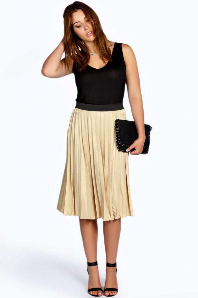 Lisa Metallic Crinkle Midi Skirt £20.00 click to visit Boohoo