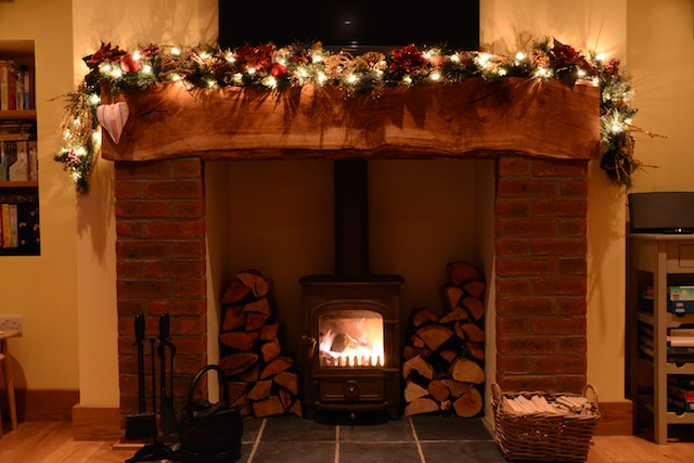 Christmas-Inglenook-Fireplace