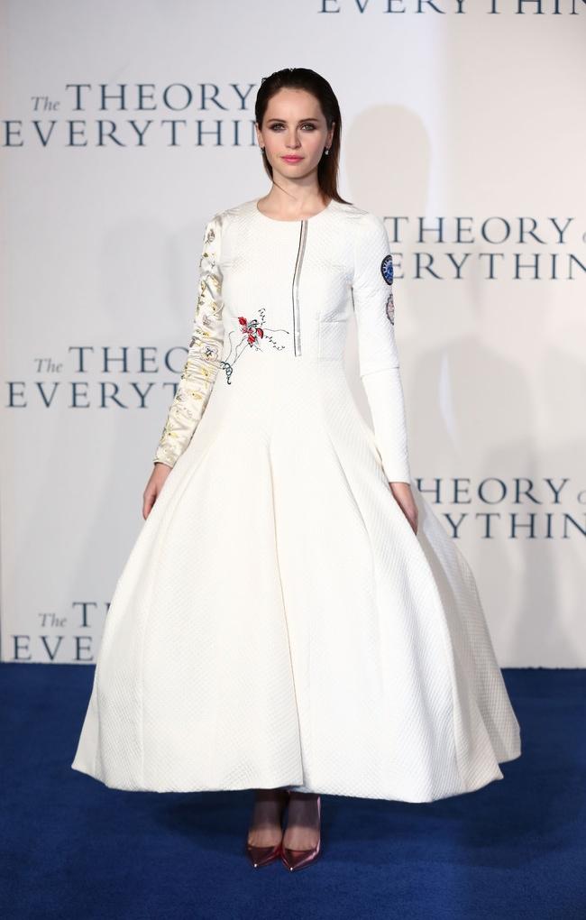 felicity-jones-dior-white-silk-dress01