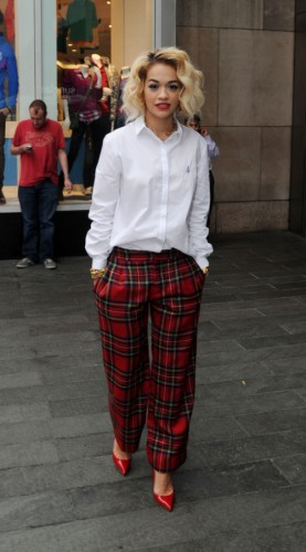 01-Rita-Oras-MTV-Studios-J_W_-Anderson-for-Topshop-Embroidered-Cotton-Shirt-and-Red-Tartan-Plaid-Pants1-277x500