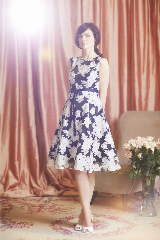 Sophie ellis bextor is the face of phase eight 171 fashionmommy s blog