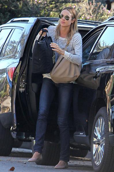 Stacy-Keibler-Lexus-RX