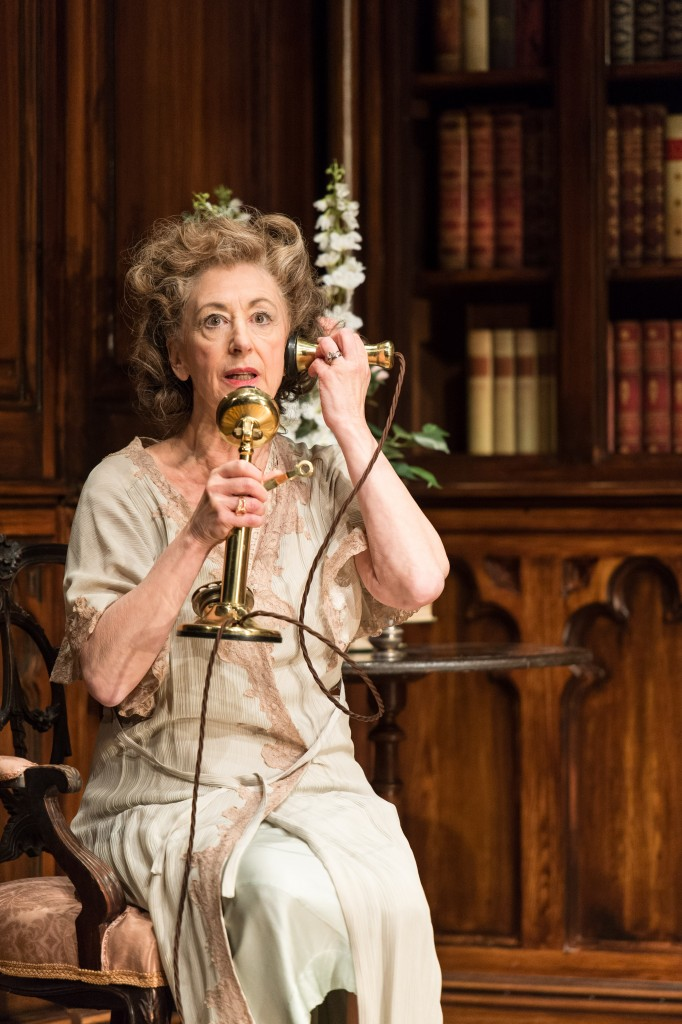Maureen Lipman as Veta Louise Simmons in Harvey. Photo by Manuel Harlan