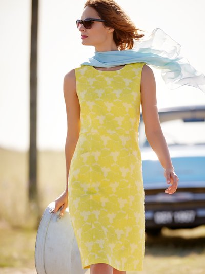 Jacquard shift dress Details http://www.mandco.com/jacquard-shift-dress-yellow/121369500600008.html Product Number: 121369500600008 Colour: YELLOW £45.00 click to visit M&Co