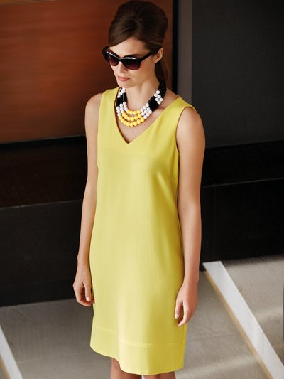 V neck shift dress Details http://www.mandco.com/v-neck-shift-dress-yellow/121370900600008.html Product Number: 121370900600008 Colour: YELLOW £35.00 click to visit M&Co