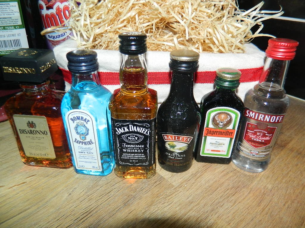 The complete range of miniatures in the hamper