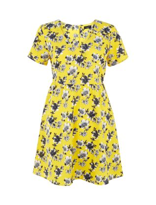 Petite Yellow Floral Print Tea Dress £17.99 click to visit New Look