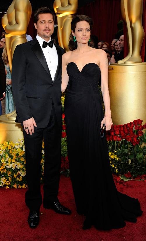 angelina_jolie_brad_pitt_Oscar_red_carpet_2009