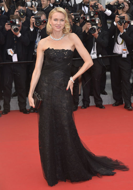 naomi-watts-black-lace-dress-cannes-2015-h724