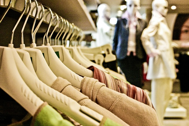 Source http://pixabay.com/en/shopping-clothing-clothes-woven-606993/
