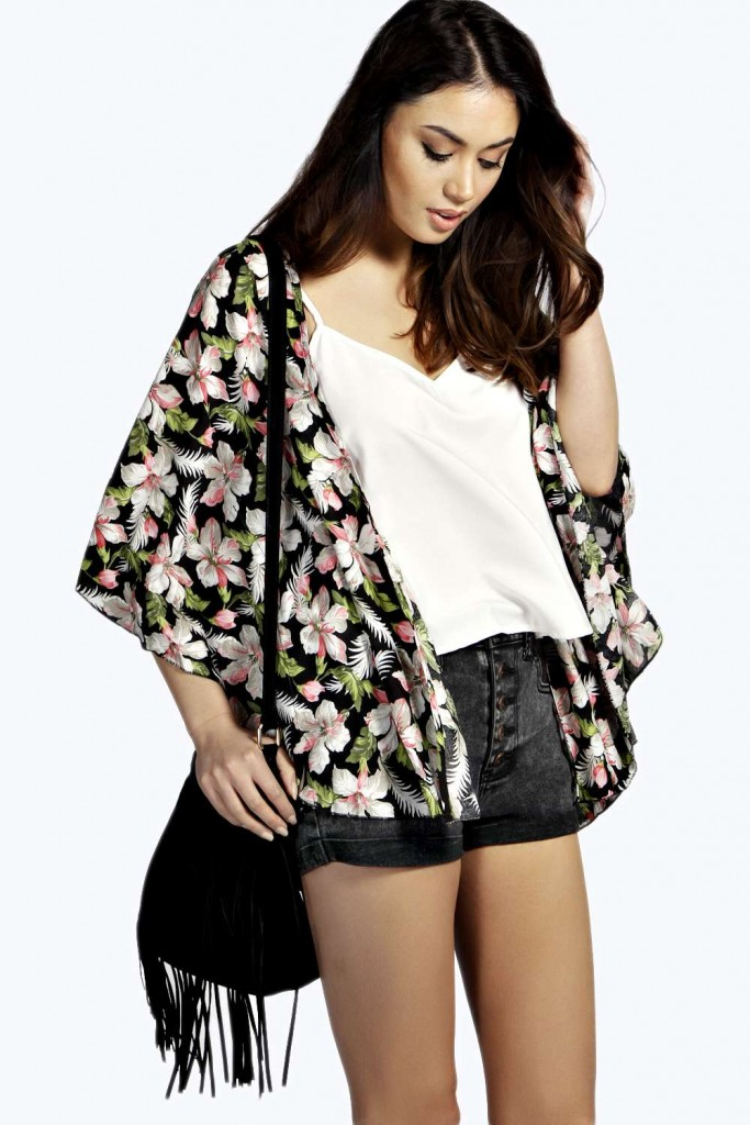 Naomi Floral Kimono £15 click to visit Boohoo