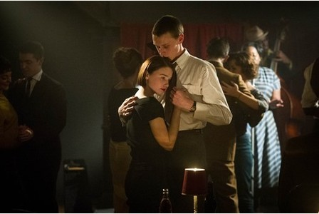George Mackay and Jessica Bevan as Lewis and Kit