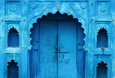 It's uncertain why the locals began painting their houses blue in the city of Jodhpur, but the city resembles an oasis in the desert.