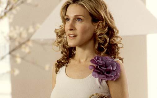 carrie-bradshaw-flower-corsage