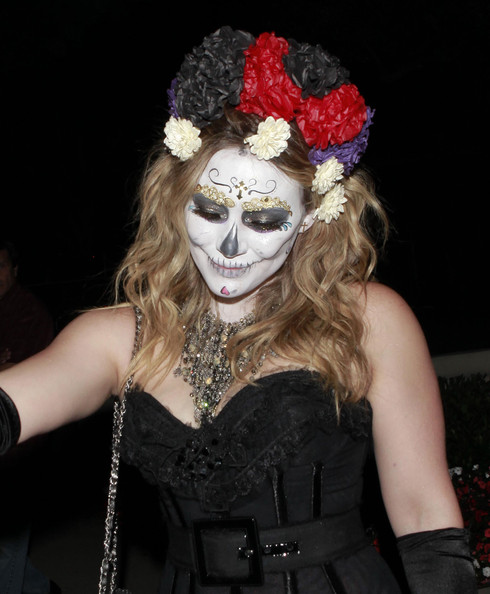 Hilary+Duff+Celebrities+Attending+Halloween+H7Cas6Zdj9ql